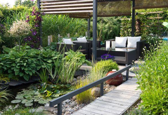 Terrassen-Gestaltungsmöglichkeiten mit Sonnen- und Sichtschutz -SF