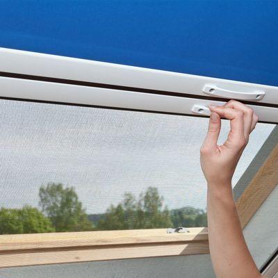 IS04-erfal-insektenschutz-rollo-dachfenster-two-in-one